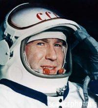 Aleksey Arkhipovich Leonov (May 30 In Physics History)